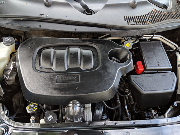 Detailed Chevrolet HHR Engine